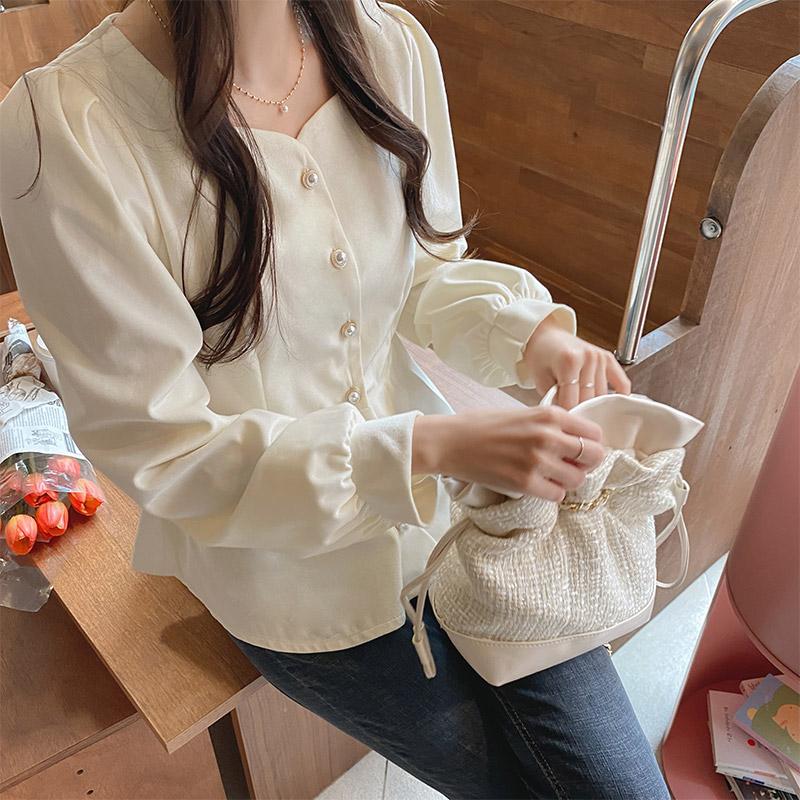 bs5547 로맨틱한 벨벳 광택감의 진주버튼 하트넥 페플럼 블라우스 blouse