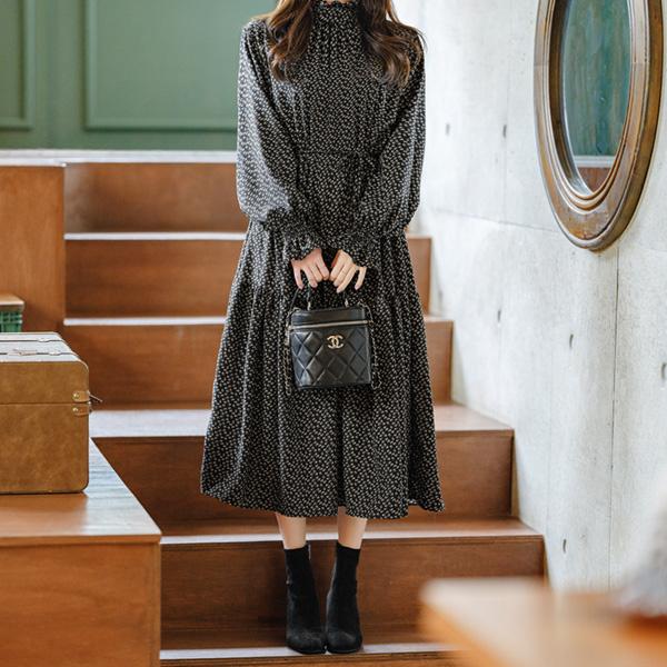 op10269(A) 로맨틱한 플라워 기모패브릭의 스트링구성 하이넥 플레어 롱원피스 dress