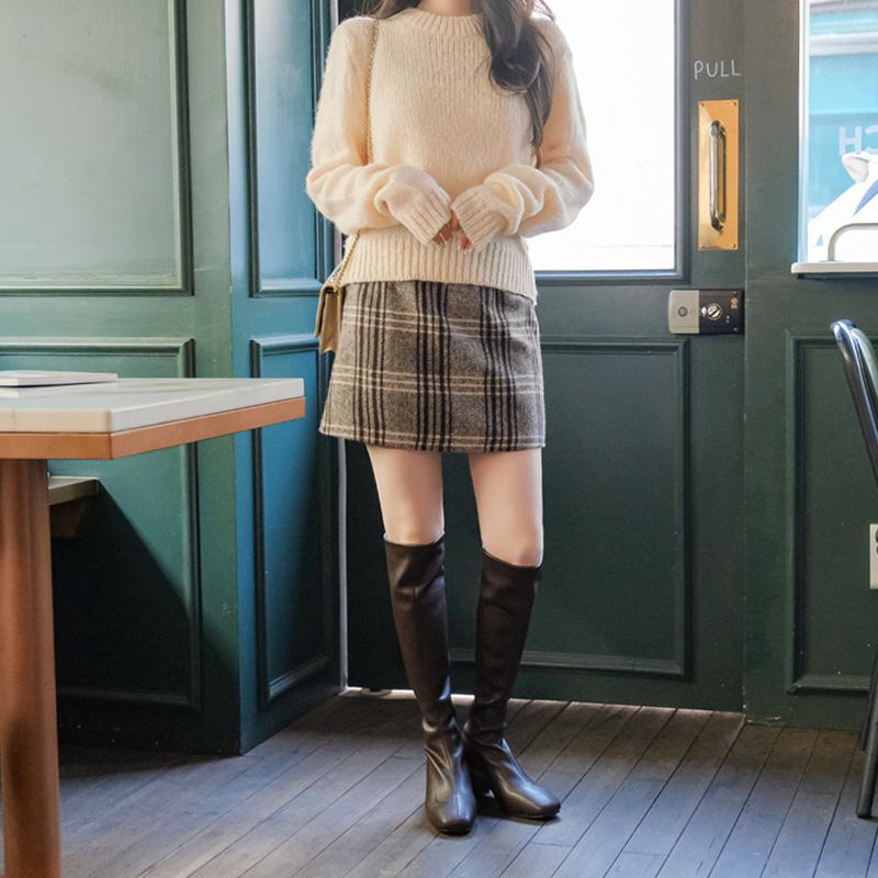 sk4518 데일리 포인트로 함께하기 좋은 체크패턴 울 H라인 미니스커트 skirt