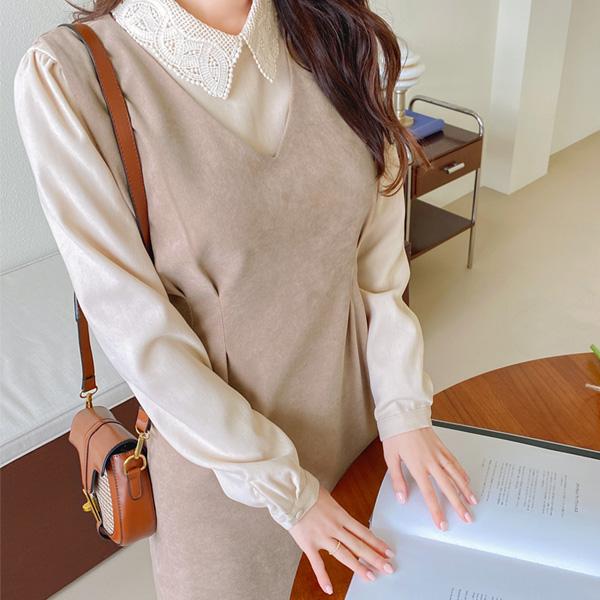 bs5647 부드러운 피치기모 패브릭의 레이스카라넥 숄더셔링 블라우스 blouse