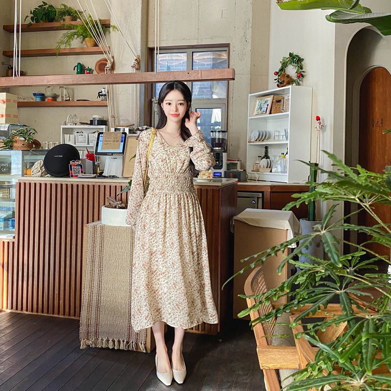 op10625 감성적인 패턴의 플라워 스모크밴딩 브이넥 쉬폰 롱 원피스 dress