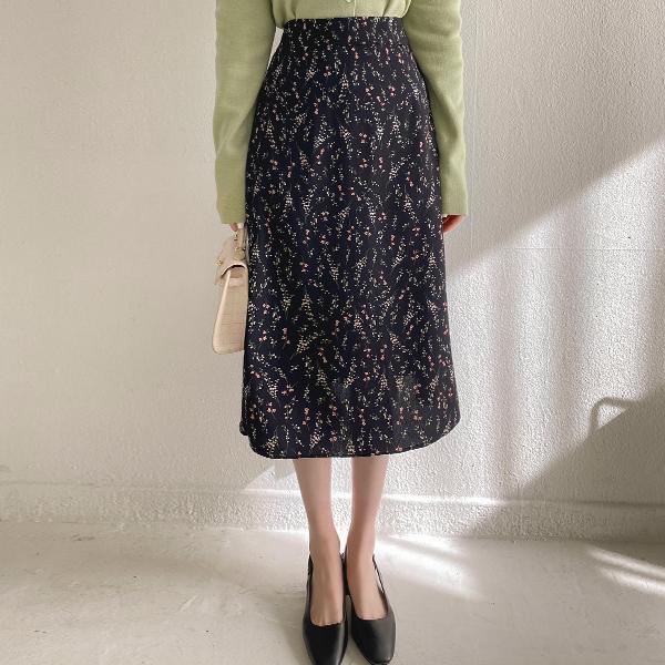 sk4591 꽃향기가 나는듯 잔잔한 플라워패턴의 뒷밴딩 A라인 롱스커트 skirt