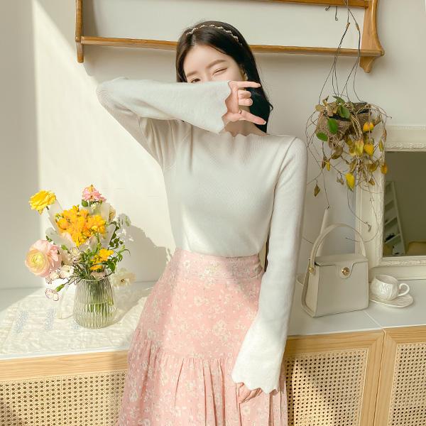 nt2643 여리한 실루엣의 8가지 컬러구성 물결라인 슬림 입술넥 니트 knit