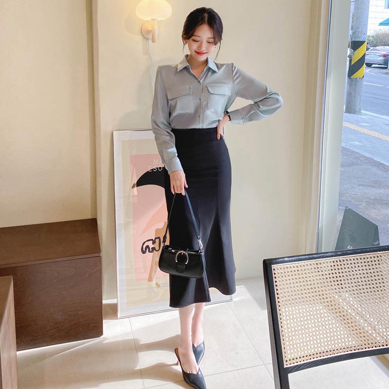 bs5776 실키한 새틴 소재감의 포켓 포인트 카라넥 블라우스 blouse