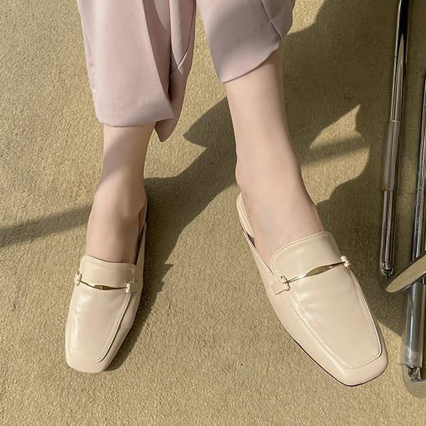 sh2237 세련된 감성의 스퀘어토 금장장식 뮬 타입 블로퍼 슈즈 shoes