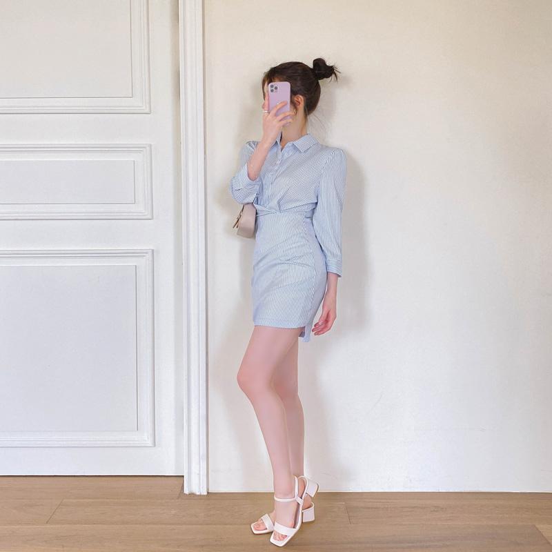 op11063 여성스러운 무드의 언발 셔링 디테일 7부 소매 스트라이프 카라 셔츠 미니 원피스 dress