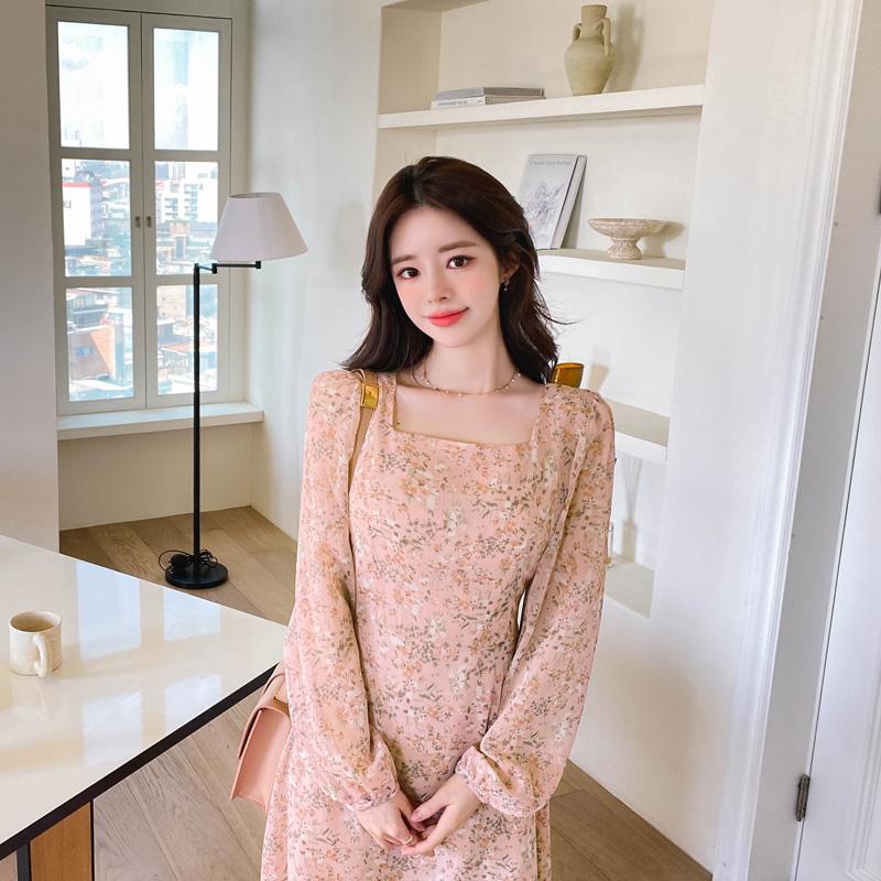 op11064 로맨틱한 무드의 은은한 플라워 패턴으로 완성된 뒷리본 스퀘어넥 쉬폰 롱 원피스 dress