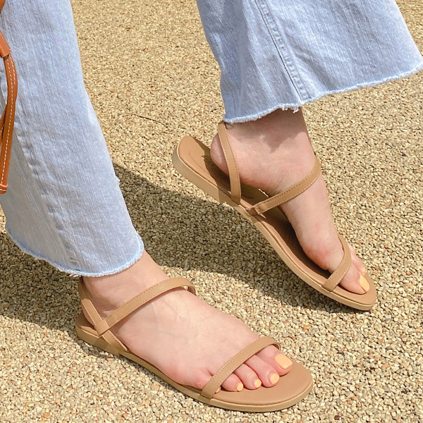 sh2320 여름철 편하게 신을 수 있는 데일리 스트랩 샌들 shoes