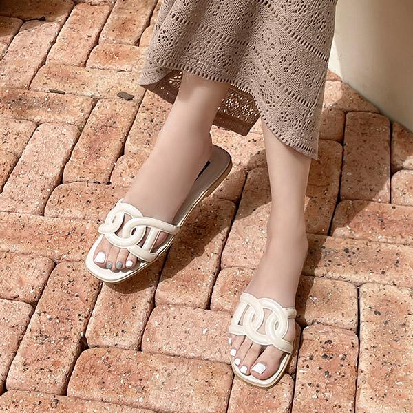 sh2324 세련된 브랜드 감성 스트랩 포인트의 플랫 샌들 shoes