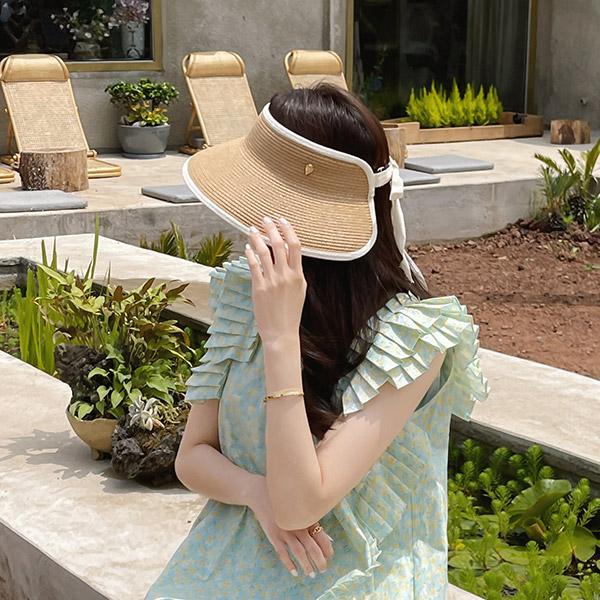 ac5090 감각적인 라인 배색으로 제작된 백리본 라피아 썬캡 hat