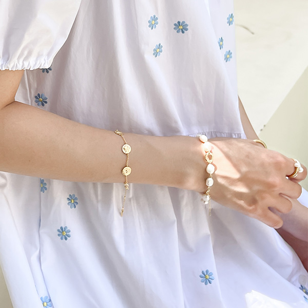 ac5118 볼드한 담수진주와 포인트 체인으로 완성된 브레이슬릿 bracelet