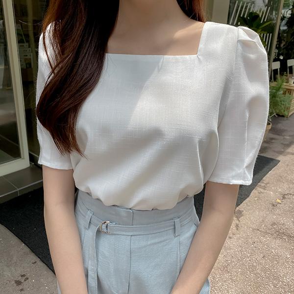 bs6248 여성스러운 퍼프소매 디자인의 스퀘어넥 블라우스 blouse