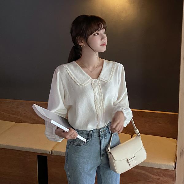 bs6450 로맨틱한 레이스 세일러 카라가 돋보이는 여리핏 블라우스 blouse