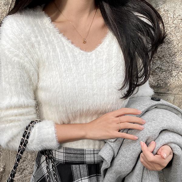 nt3044 기분좋은 앙고라 터치감의 날개사 세미크롭 브이넥 니트 knit